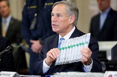 Gubernur Texas mengabaikan Peringatan Corona dan Mencabut Aturan Wajib Masker