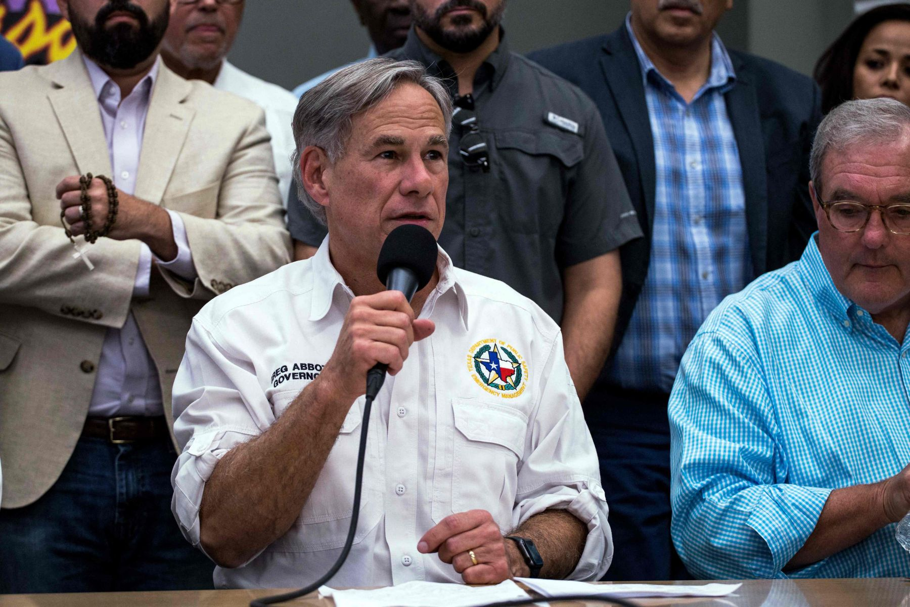 Gubernur Texas Abbott mencari bantuan luar negeri untuk melawan COVID-19